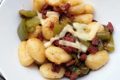 Házi gnocchi kolbásszal és kaliforniai paprikával – Biztosan nem maradsz utána éhes