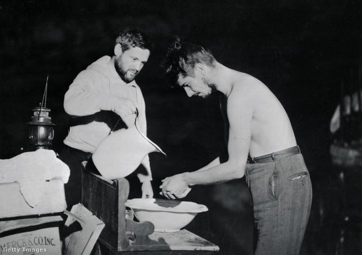 Dr. Nathaniel Kleitman és Bruce Richardson (1938)