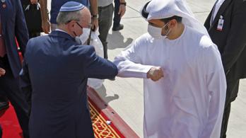 Izrael lenne már a példa az emírségekben?