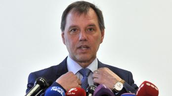 Szlávik János: Ha hatékony a vakcina, akkor elég a lakosság felét beoltani