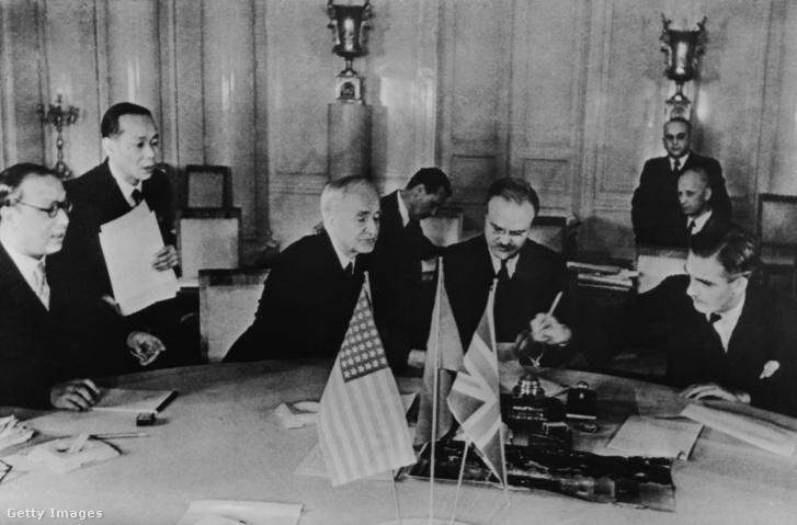 Cordell Hull, Vjacseszlav Mihajlovics Molotov és Anthony Eden 1943-ban Moszkvában