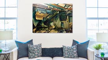 Festmény örökíti meg a leégett DK-irodát