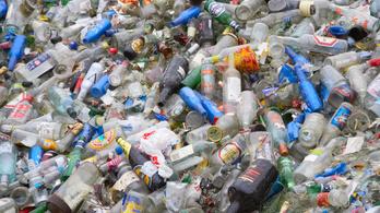 Visszaváltható palackokra vált Románia