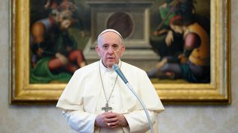 Ferenc pápa: A járvány elmúlására a legrosszabb reakció az volna, ha még lázasabb fogyasztásba kezdene a világ