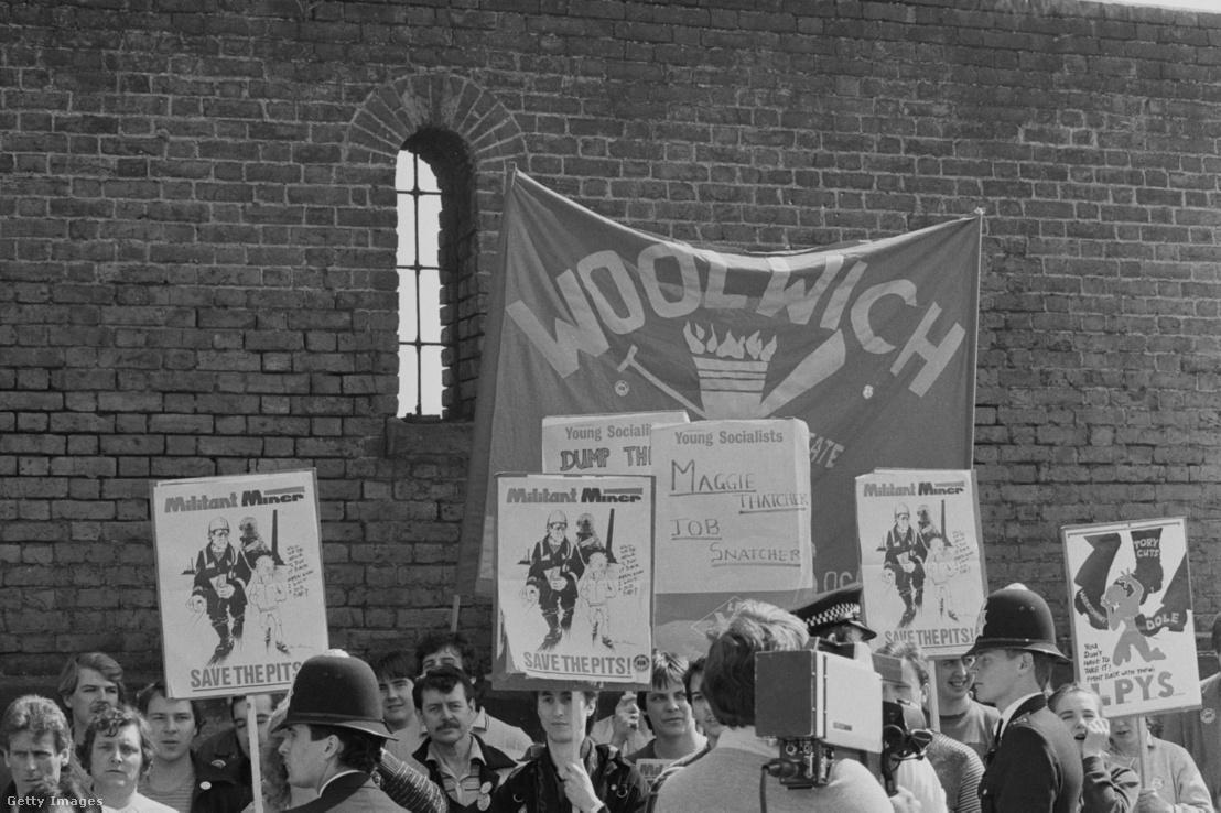 Bányászok és a munkáspárt tagjainak tüntetése Londonban 1984-ben