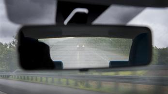 Csúsznak az utak, rosszak a látási viszonyok