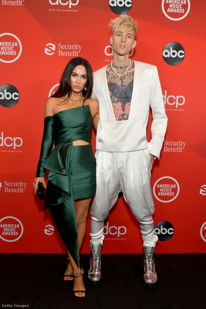 A díjátadón közösen vonult a vörös szőnyegre Megan Fox és új szerelme, Machine Gun Kelly