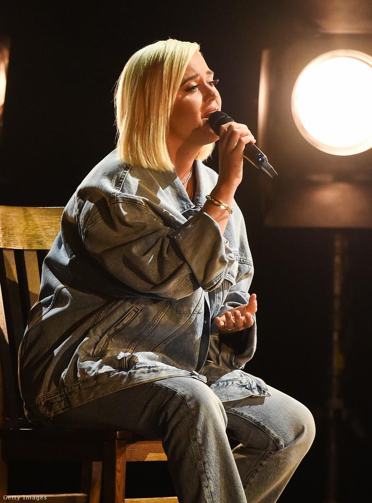 Katy Perry szereplése azért emlékezetes (amellett, hogy jó), mert az első gyereke születése óta most először lépett színpadra