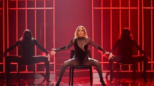 Jennifer Lopez terpesze kicsit sokatmondó lett