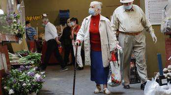 Keddtől él az idősek vásárlási sávja, itt vannak a részletek