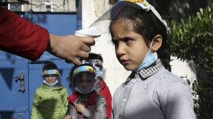 Kétmilliárd adag vakcinát szállítana az UNICEF szegény országokba