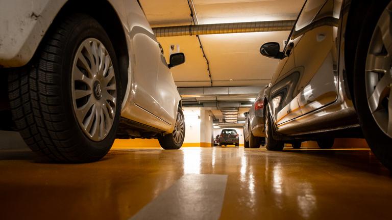 A parkolóházakban sem kizárt az őskáosz