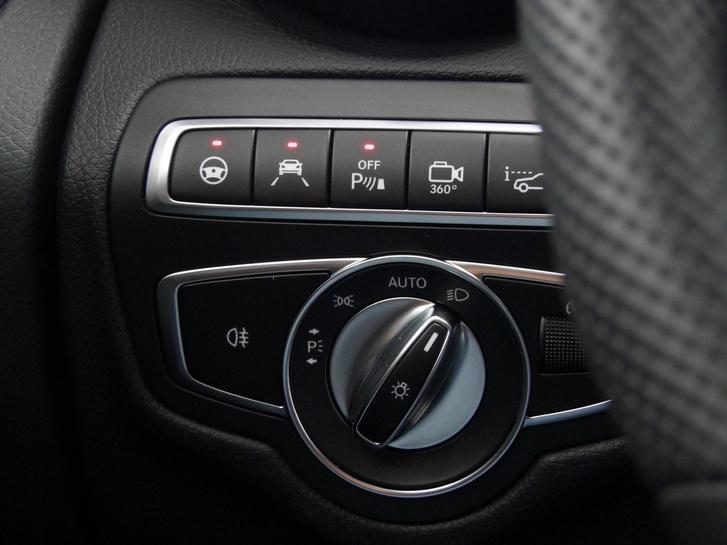 A vezetéstámogató rendszerek manapság valódi extrának számítanak, ezektől többet ér az autód