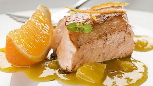 Tálald az ünnepi halat idén mézes-citrusos salátával!