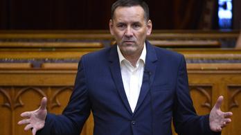 Itt az új módosító javaslat, Volner János és a Fidesz még szűkebb kényszerpályára állítja az ellenzéki pártokat