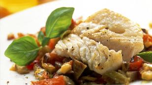 Tőkehal és salsa rossa – egészséges főételtipp az ünnepekre