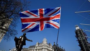 Évszázadok óta nem tapasztalt recessziót jósol a brit külügyér