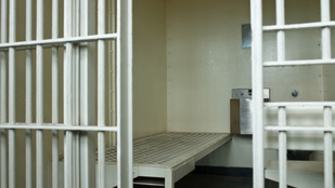 Többmilliárdos börtönbizniszről beszél a kormány, módosítanák a törvényt