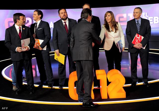 Katalán regionális vezetők egy televíziós vitaműsor előtt