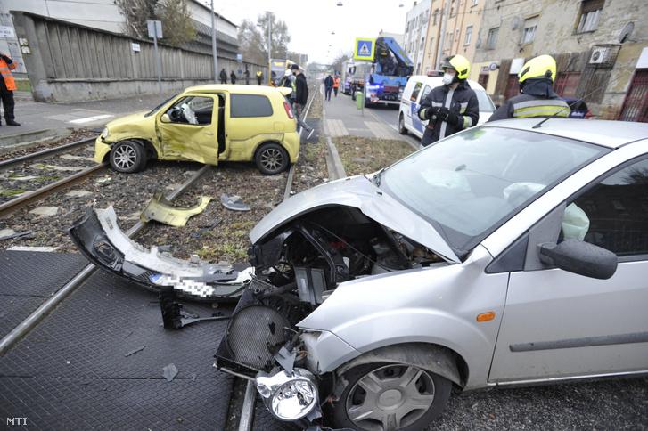 A sérült autók