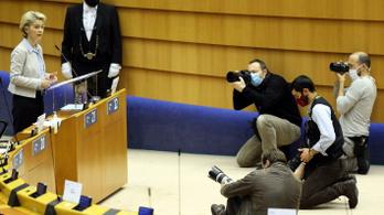 Az Európai Parlament aggasztónak tartja a sajtószabadság helyzetét az Európai Unióban