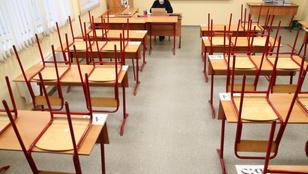 Szerbiában újra virtuális oktatásra állnak át