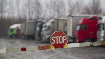 Korlátozások a 3-as főúton, hétvégén újra kamionstop