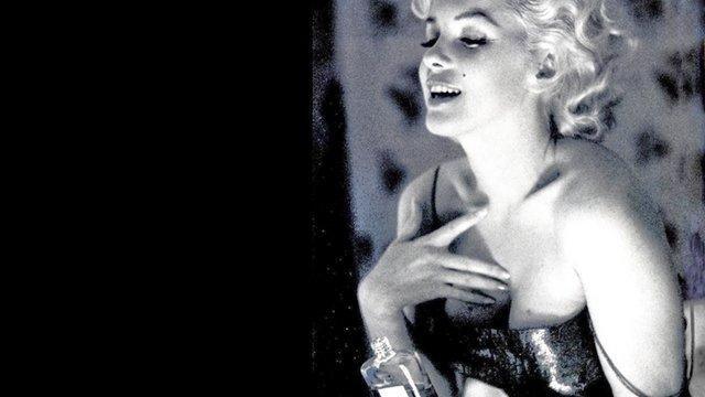 Chanel N°5, több egy parfümnél
