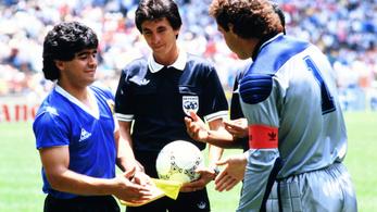 A legendás angol kapusnak máig fáj Maradona kezezős gólja