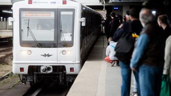 Szétmarja a rozsda az M3-as metrókocsikat