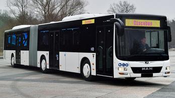 Összesen 40 milliárd forintért vásárol új csuklós buszokat a Volánbusz