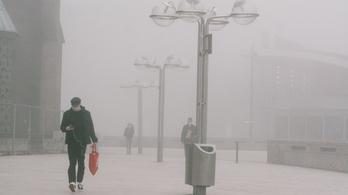 Veszélyes a köd, a szálló porral is terjedhet a koronavírus