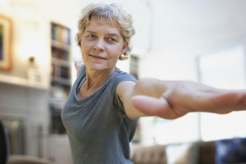 5 edzés, ami kifejezetten jót tesz 60 felett: feszesebb lesz a test, és erősebbek a csontok