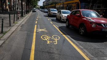 A Fidesz azt követeli, hogy a veszélyhelyzet alatt Karácsony Gergely számolja fel a belvárosi biciklisávokat