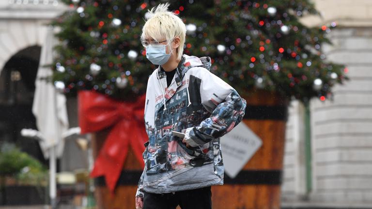 Infektológus: Létszámkorláthoz kellene kötni a karácsonyi bevásárlási hullámot
