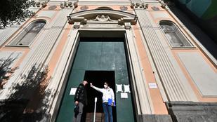Legfeljebb tízen ülhetnek a karácsonyi asztalhoz Olaszországban a kormány tervei szerint