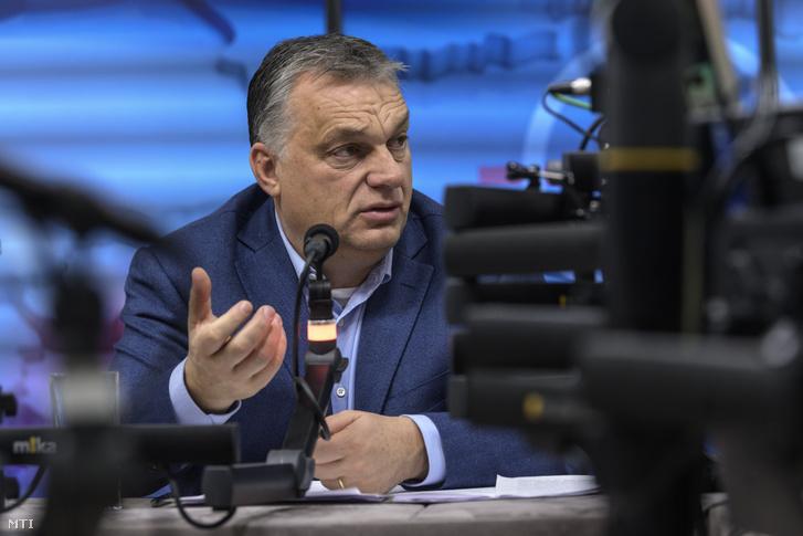 Orbán Viktor a Kossuth Rádió stúdiójában 2018. december 7-én