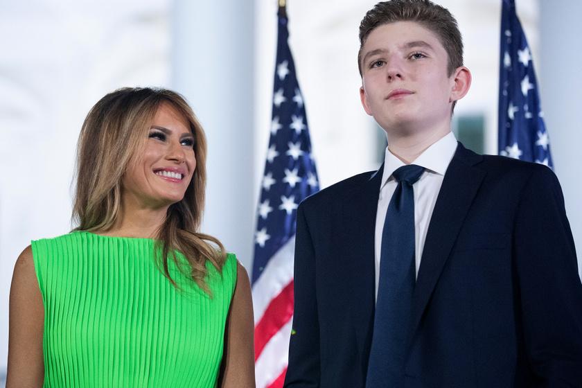 Melania Trump le sem tagadhatná, mennyire szereti a fiát.