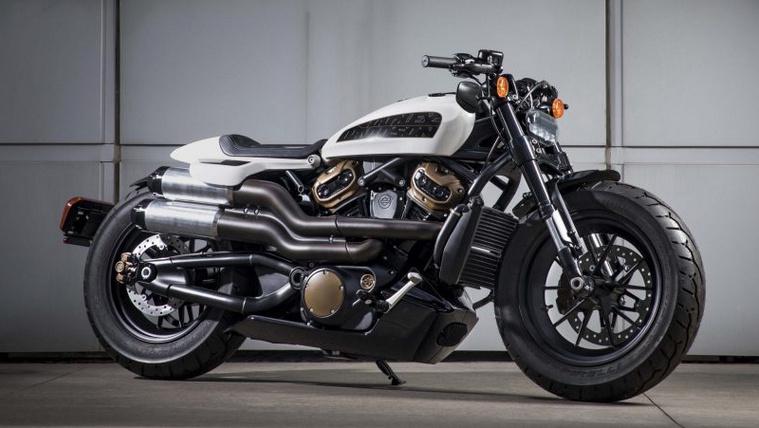 2020-Harley-Davidson-Custom-concept-02-scaled-1024x683