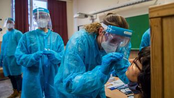 Vizsgáikért aggódnak a tesztelésre kivezényelt orvostanhallgatók