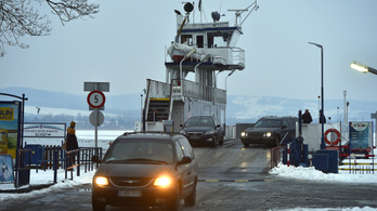 Új kompokat és hajókat vesznek a Balatonra