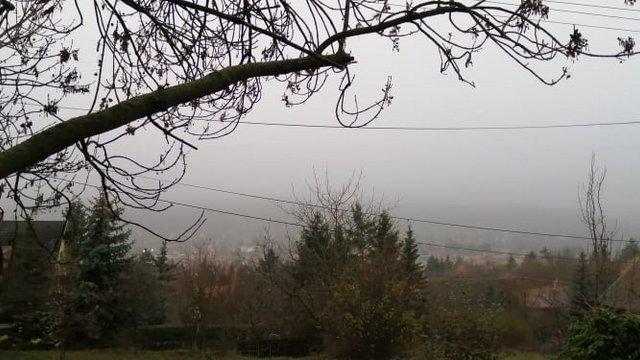 Nézzünk ki a köd mögül!
