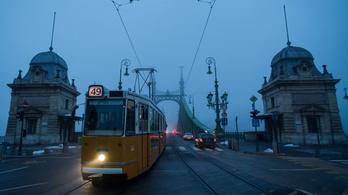 A hétvégén ne akarjon villamosozni a Szabadság hídon és a Kiskörúton