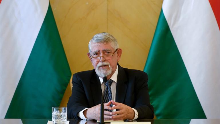 Kásler Miklós: a magyar egészségügy bírni fogja a rá nehezedő nyomást