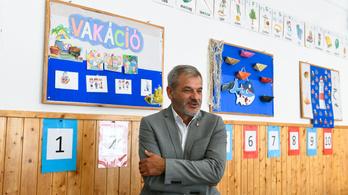 Bruttó négymilliós jutalmat szavazott meg magának a gyáli polgármester, az alpolgármester szerint ezzel nincs is gond