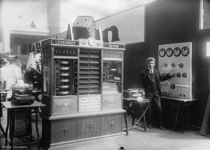 Az első teljesen automatikus lottógép. (1930, Németország)