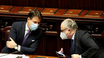 A járvány elleni küzdelem részeként átalakítják az olasz kormányt