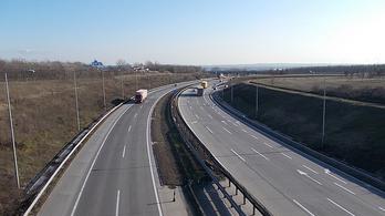 Baleset miatt torlódik a forgalom az M0-s autóúton Dunaharaszti felé