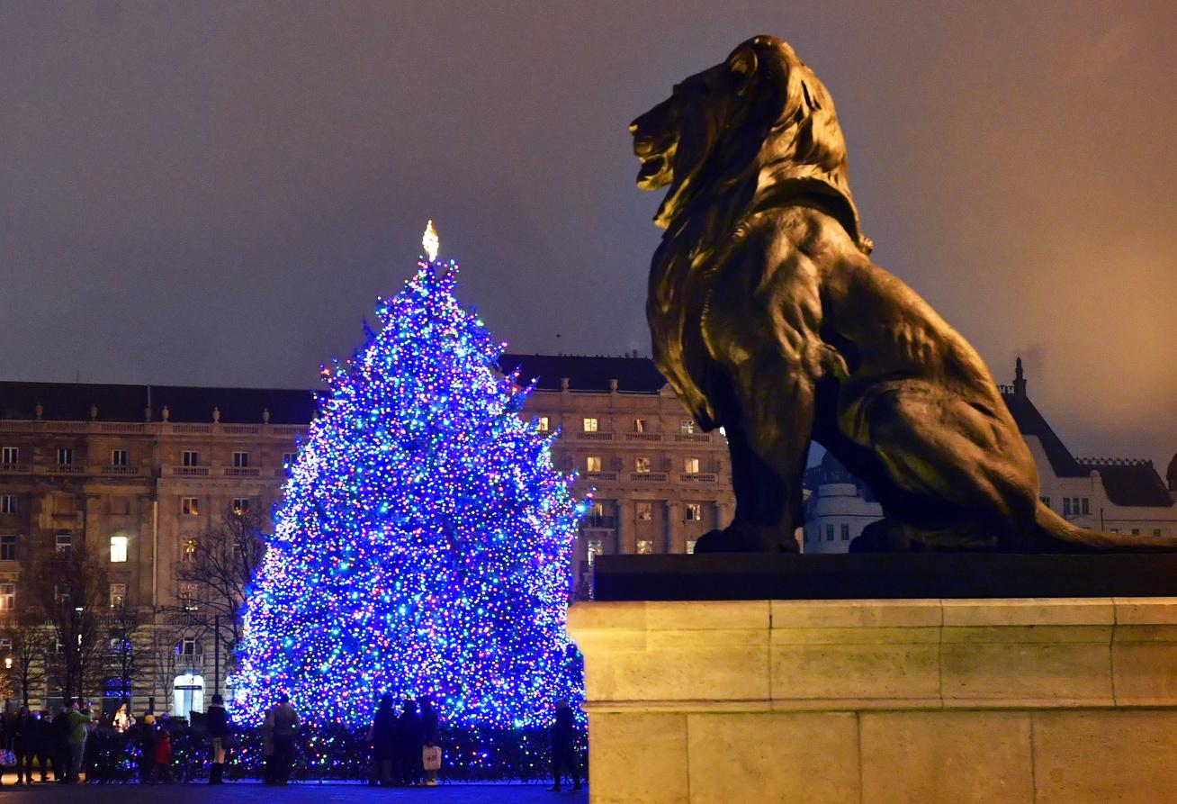 magyarország-karácsonyi-fények-borító