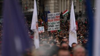 Orbán-ellenes népszavazás lehet 2022